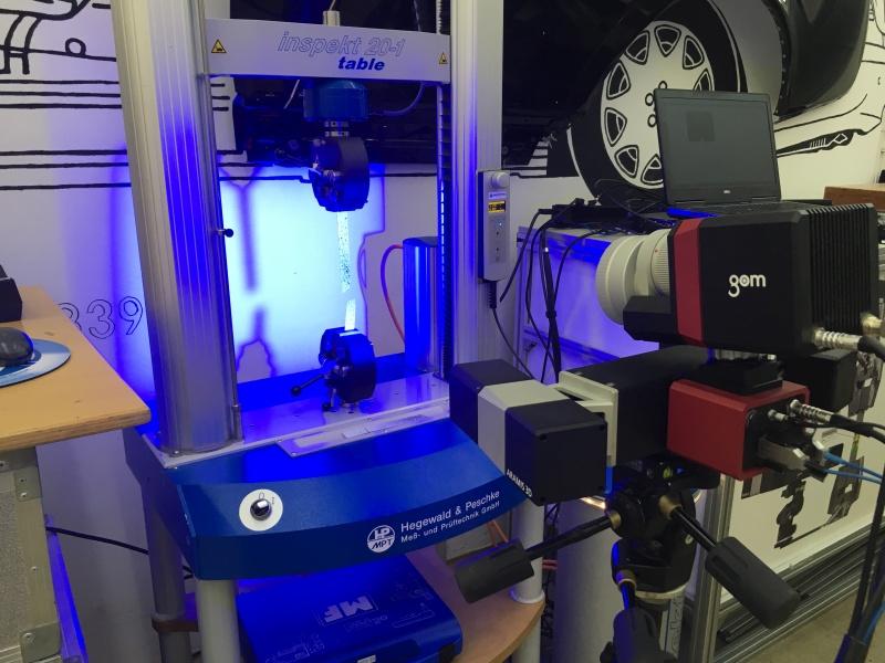 ARAMIS optički 2D i 3D videoekstenzometar